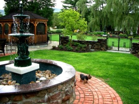 14 Chess Area Fountain & Gazebo